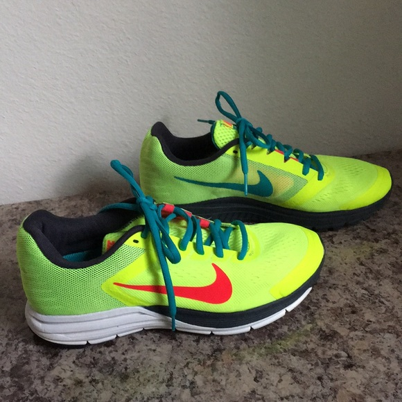 separation shoes 43c70 79e05 Neon Yellow Nike Zoom Structure 17 Shoes